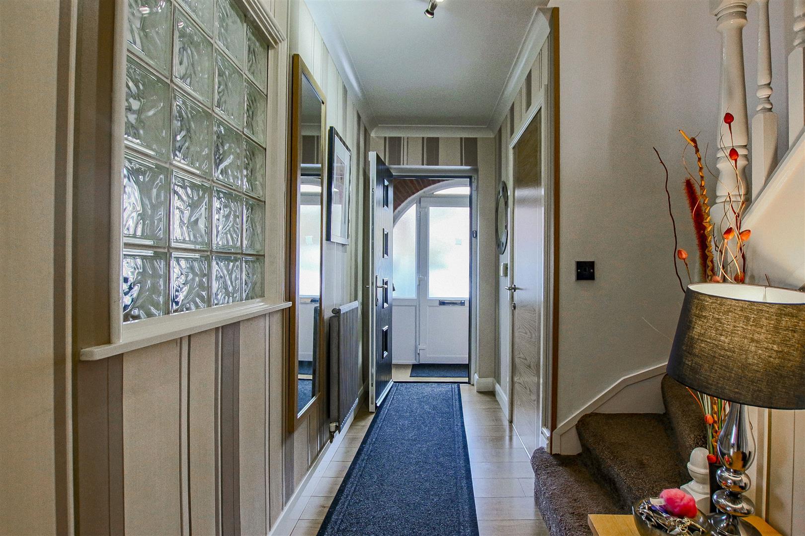 4 Bedroom Detached House For Sale - redwing31764.JPG